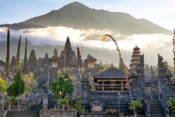 Le temple Pura Besakih à Bali