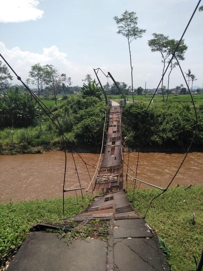 Un pont détruit à Java