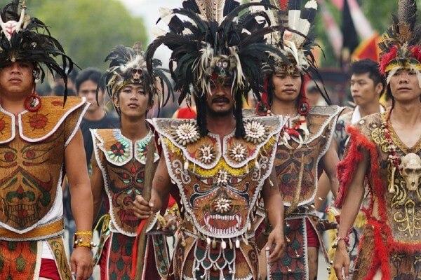 Bornéo, nature et peuple menacés