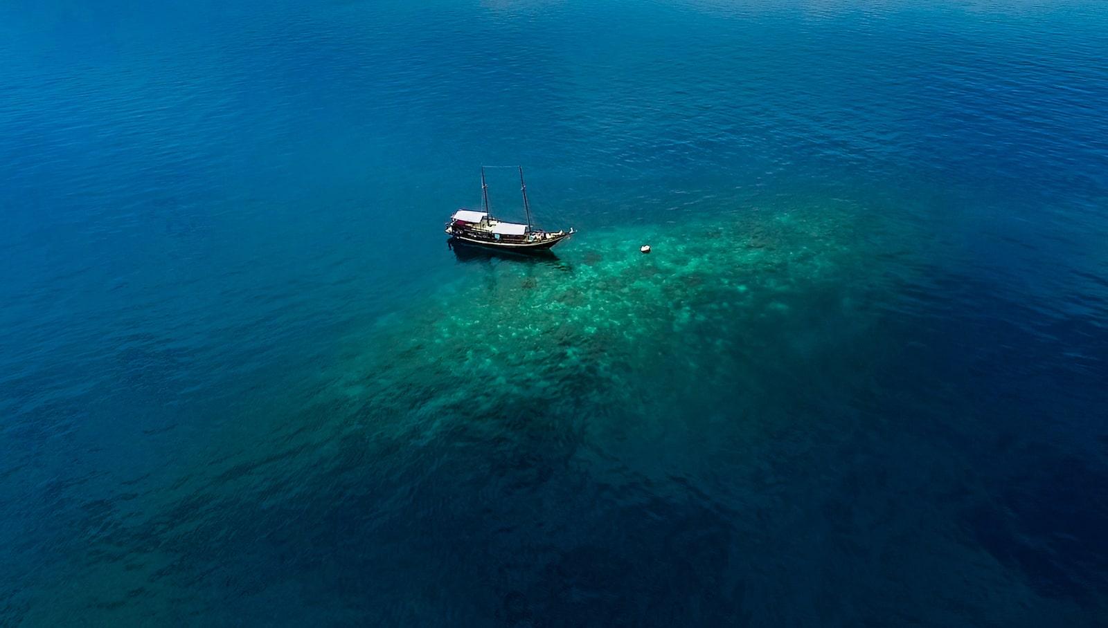 Notre bateau traditionnel aux îles de la Sonde