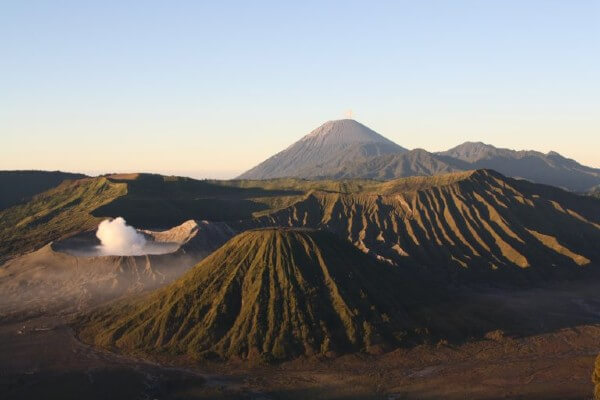 Lever de soleil sur le mont Bromo, à Java