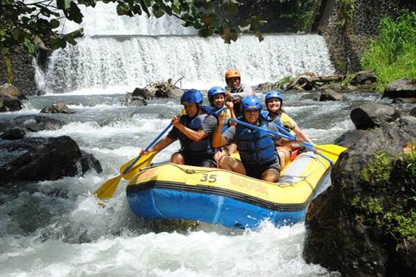 Rafting en vallée de Sidemen, à Bali