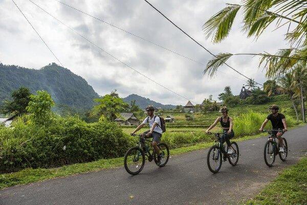 Balade à vélo en vallée de Sidemen, à Bali