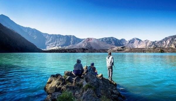 Le lac Segara Anak, sur le mont Rinjani