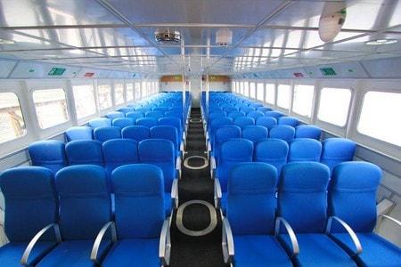 L'intérieur d'un fast boat