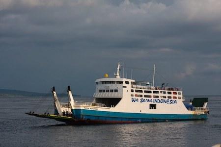 Un ferry indonésien en mer