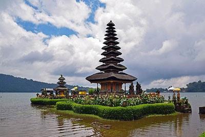 Le temple d'Ulun Danu Bratan à Bali