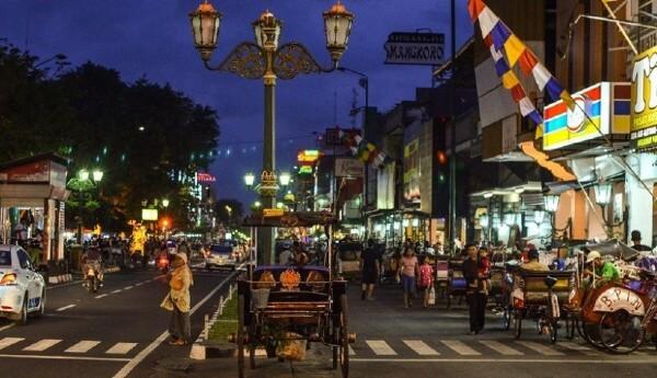 Jalan Malioboro, grande rue marchande de Yogyakarta