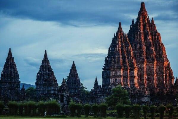 Les temples de Prambanan, près de Yogyakarta à Java